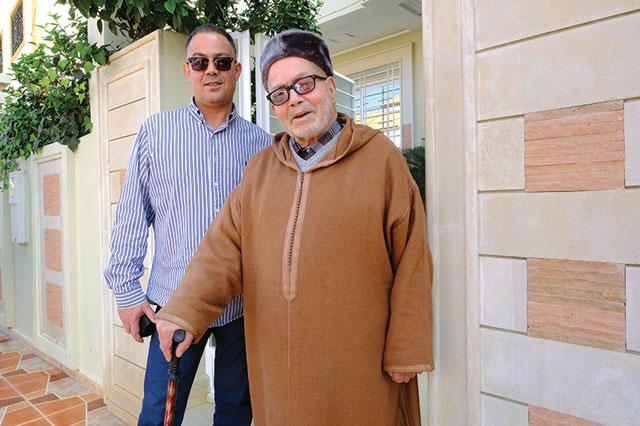 Avec mon père, ce grand homme à qui je dois tout dans ma vie... Photo prise le samedi 25 novembre 2017, à Berkane