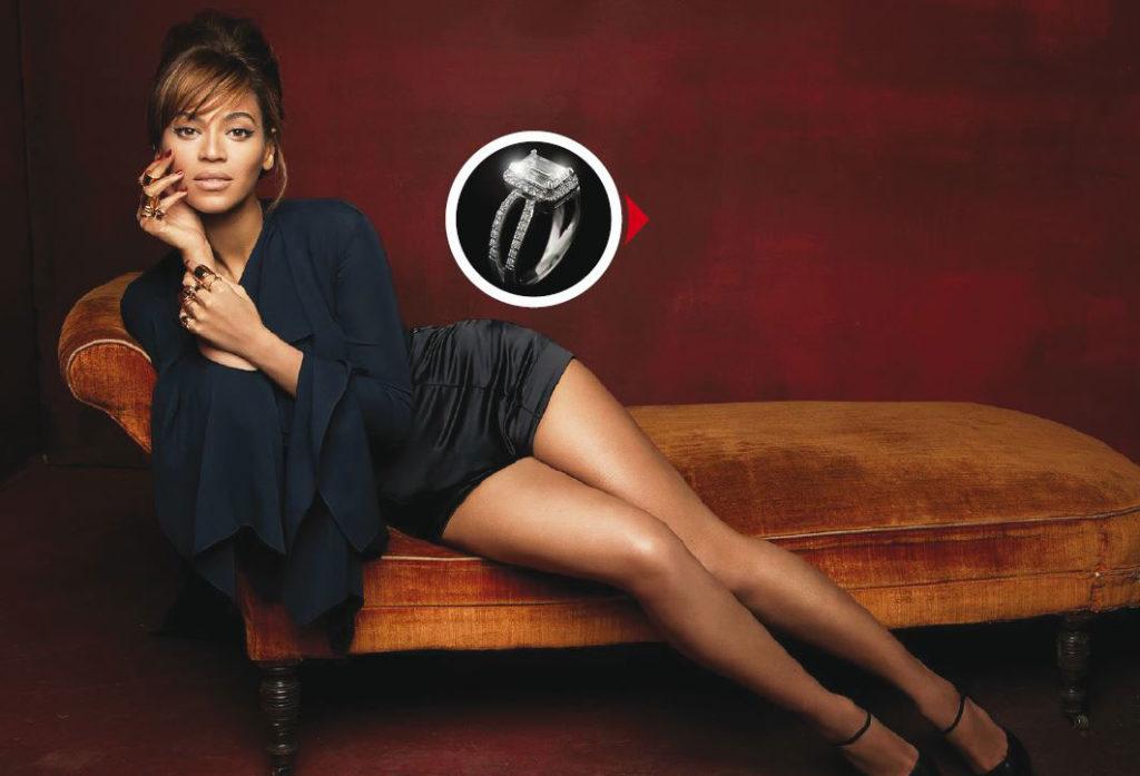 Beyoncé voit toujours grand : elle privatise le Louvre pour une visite et s'offre le Stade de France pour un concert. Après plus de dix ans de relation, Jay-Z s'est donc fendu d'une création Lorraine Schwartz à 5 millions d'euros pour leurs fiançailles.