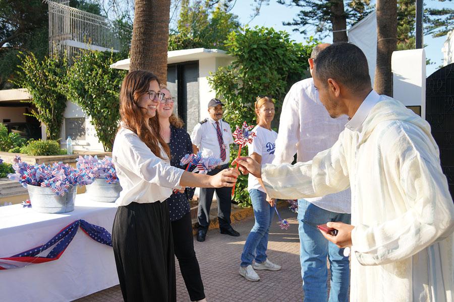 rrivée et accueil des invités à Villa Mirador lors du 242ème anniversaire de l'indépendance des Etats-Unis d'Amérique