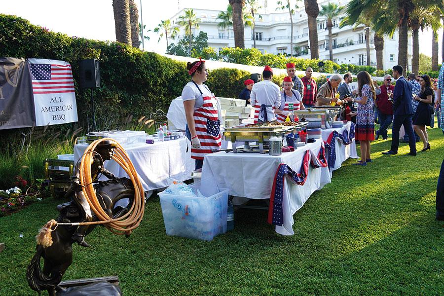 La fête nationale des Etats-Unis d'Amérique autour d'un barbecue.