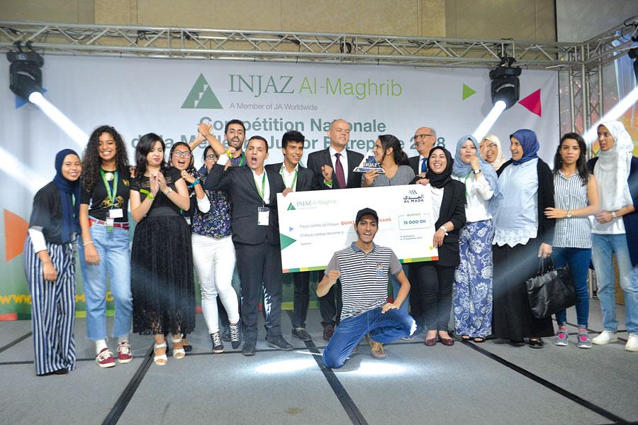 Les 2 premiers prix ont été remis à Ecowater et Sahtifbali élues les 2 Meilleures Junior Entreprises des catégories Lycée et Université par le Groupe AlMada et le Ministère de l'éducation Nationale
