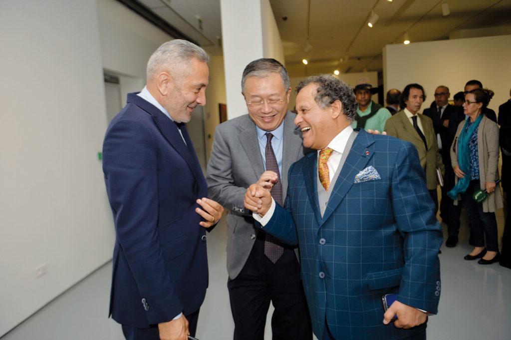 Moulay Hafid Elalamy, S.E.M. Li Li, Ambassadeur de la République populaire de Chine au Maroc et Mehdi Qotbi