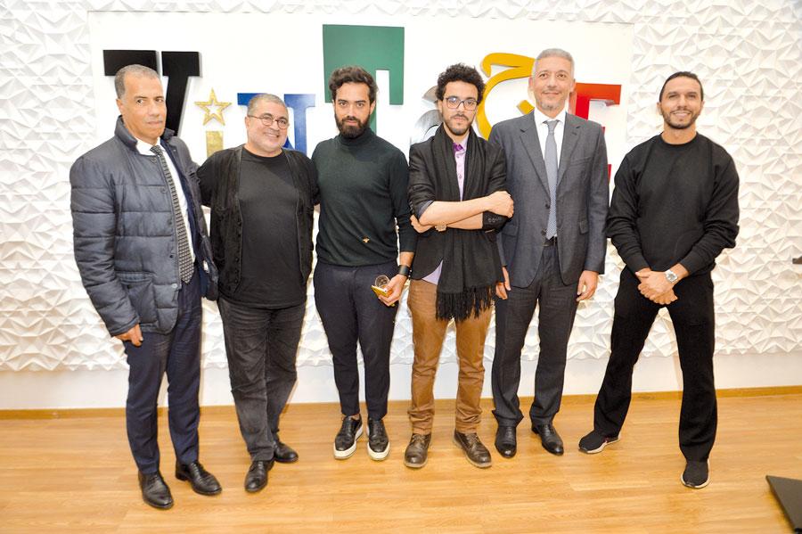 Karim Chiouar, Mahi Binebine et Mohamed Hassan Bensalah en compagnie des jeunes designers •