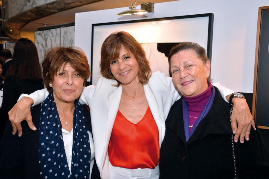 Fatiha Benani, Amina Alaoui entourant Misha Tazi •