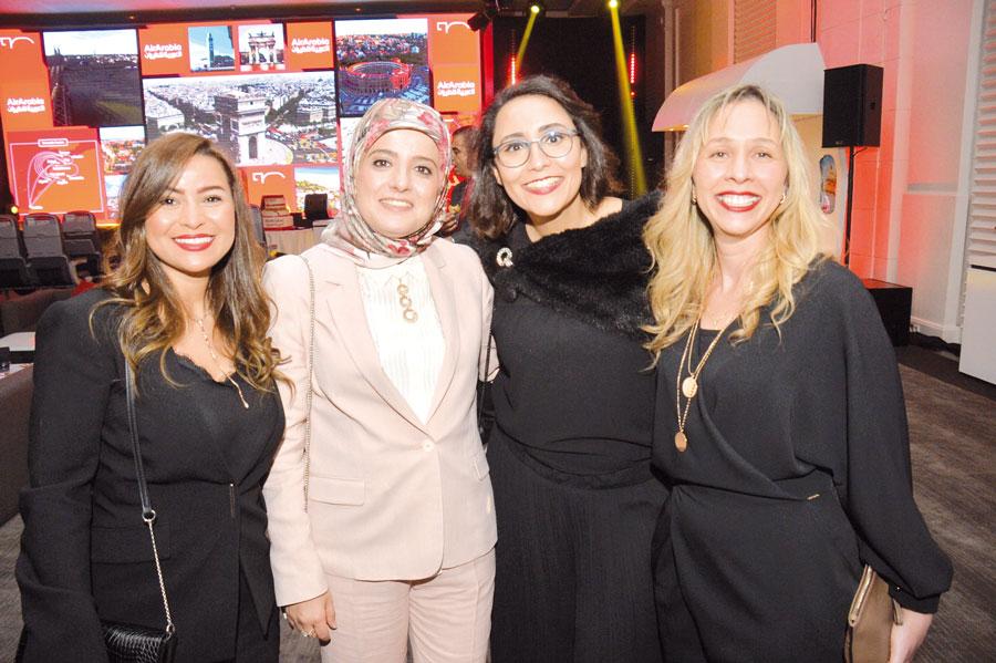 Laila Mechbal entourée de ses collaboratrices